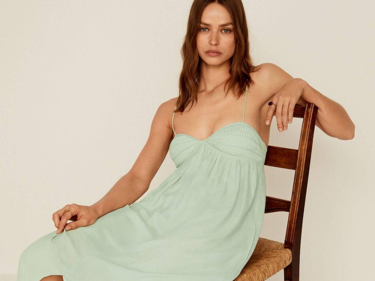 Foto: El vestido de Mango Outlet que rebaja su precio a la mitad. (Cortesía)