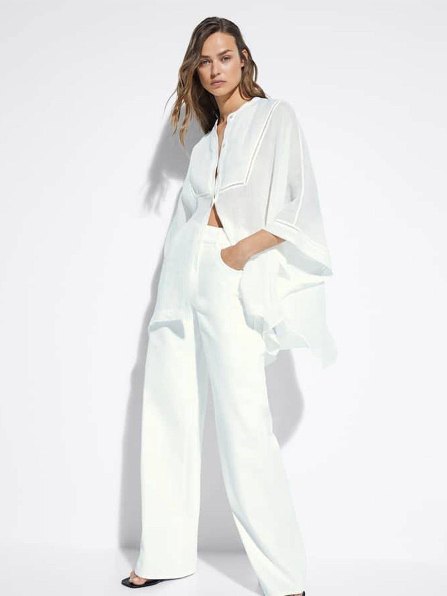 Pantalón blanco de Massimo Dutti. (Cortesía)