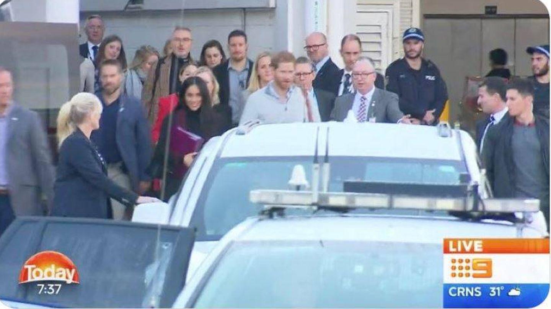 Primera imagen de los duques llegando a Sidney. (BBC)