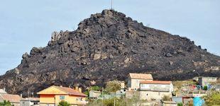 Post de Rocas de 10 toneladas amenazan la aldea gallega de la Zona Cero de los incendios