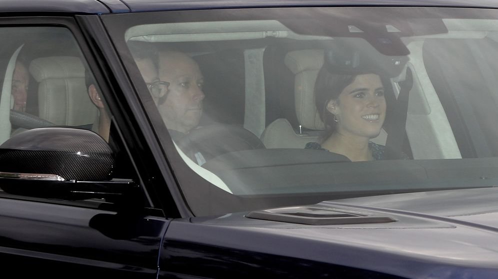 Foto: La princesa Eugenia y Jack Brooksbank llegando a Windsor. (Reuters)