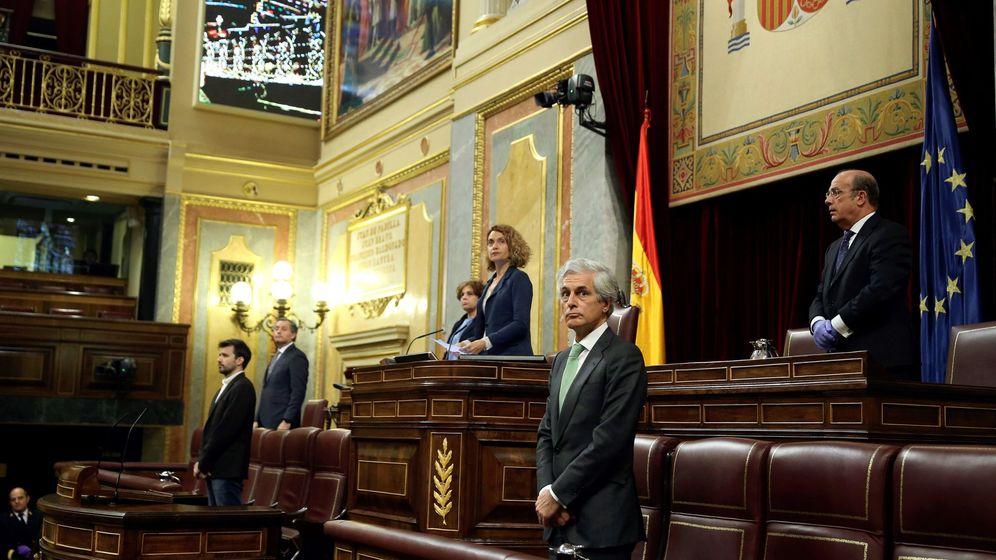 Foto: La presidenta de la cámara, Meritxell Batet (c), durante el último pleno celebrado en el Congreso. (EFE)