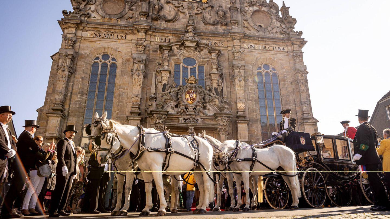 El carruaje donde llegaron los novios hasta la iglesia. (Gtres)