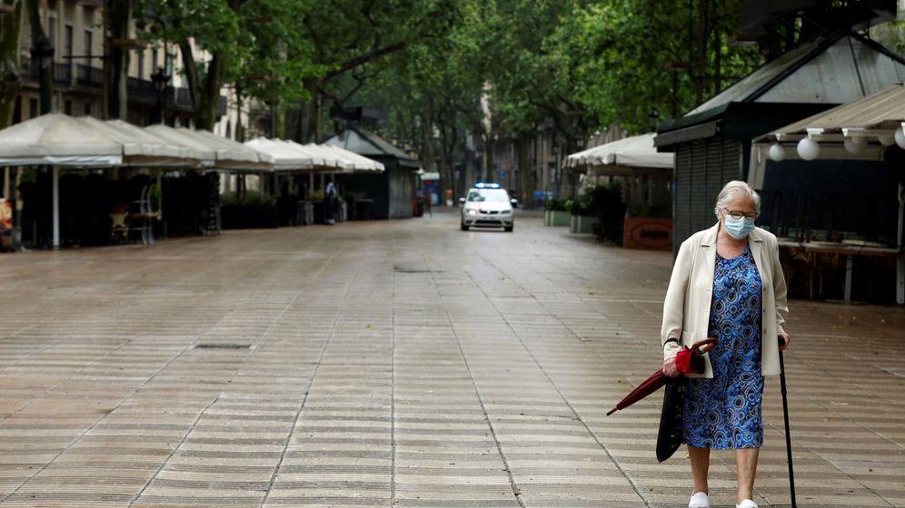 Foto: El aislamiento de los ancianos puede provocar graves daños mentales (EFE/Toni Albir)