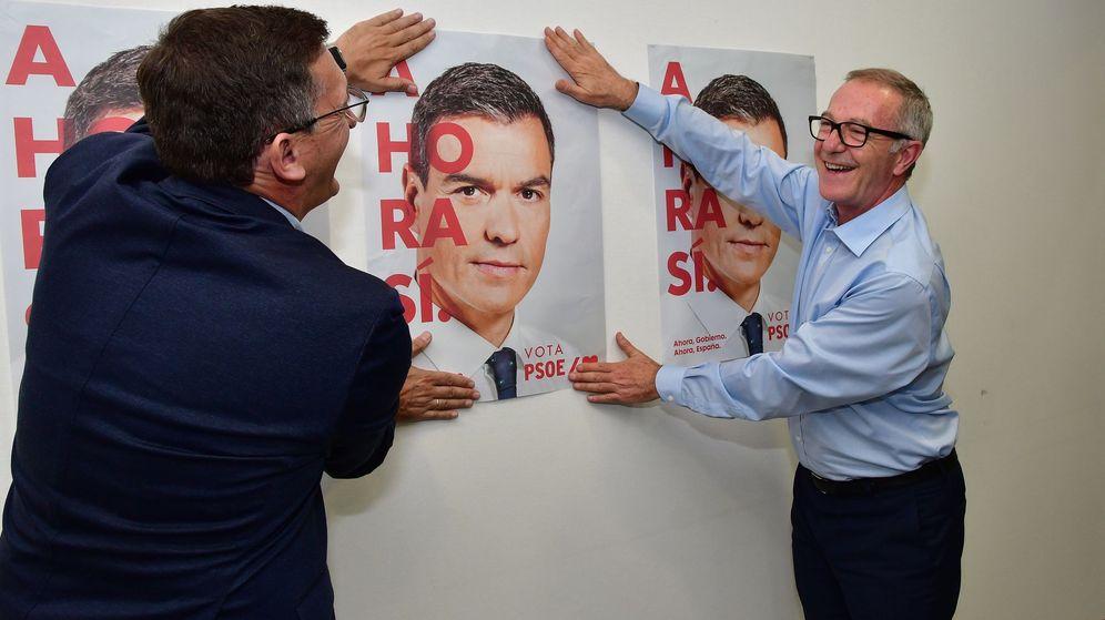 Foto: Miembros del PSOE incian la campaña electoral el pasado octubre. (EFE)