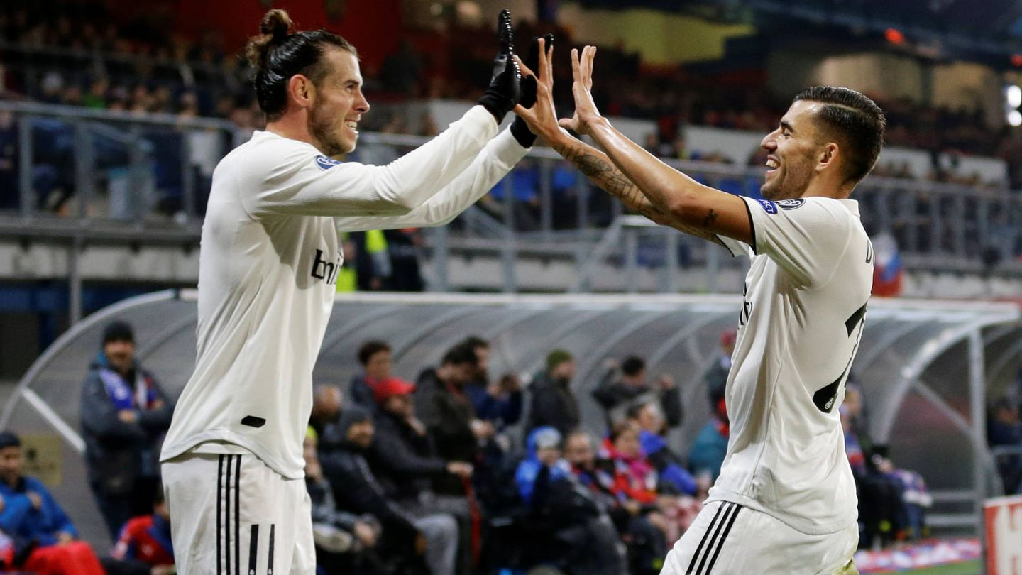 Soccer Football - Champions League - Group Stage - Group G - Viktoria Plzen v Real Madrid - Doosan Arena, Plzen, Czech Republic - November 7, 2018  Real Madrid's Gareth Bale celebrates with Dani Ceballos after scoring their fourth goal   REUTERS/David W Cerny - RC1A1EED1140