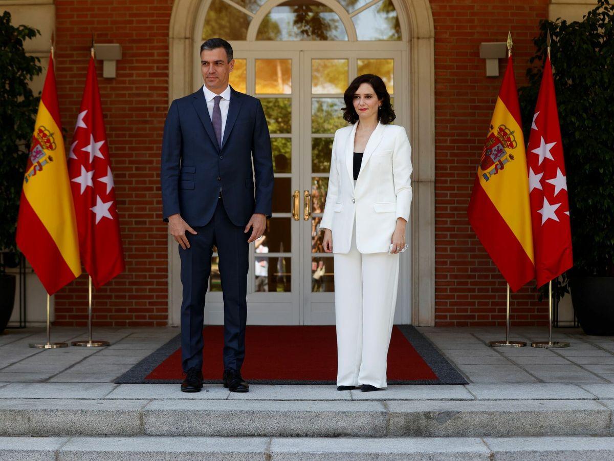 Foto: El presidente del Gobierno, Pedro Sánchez, e Isabel Díaz Ayuso. (EFE)