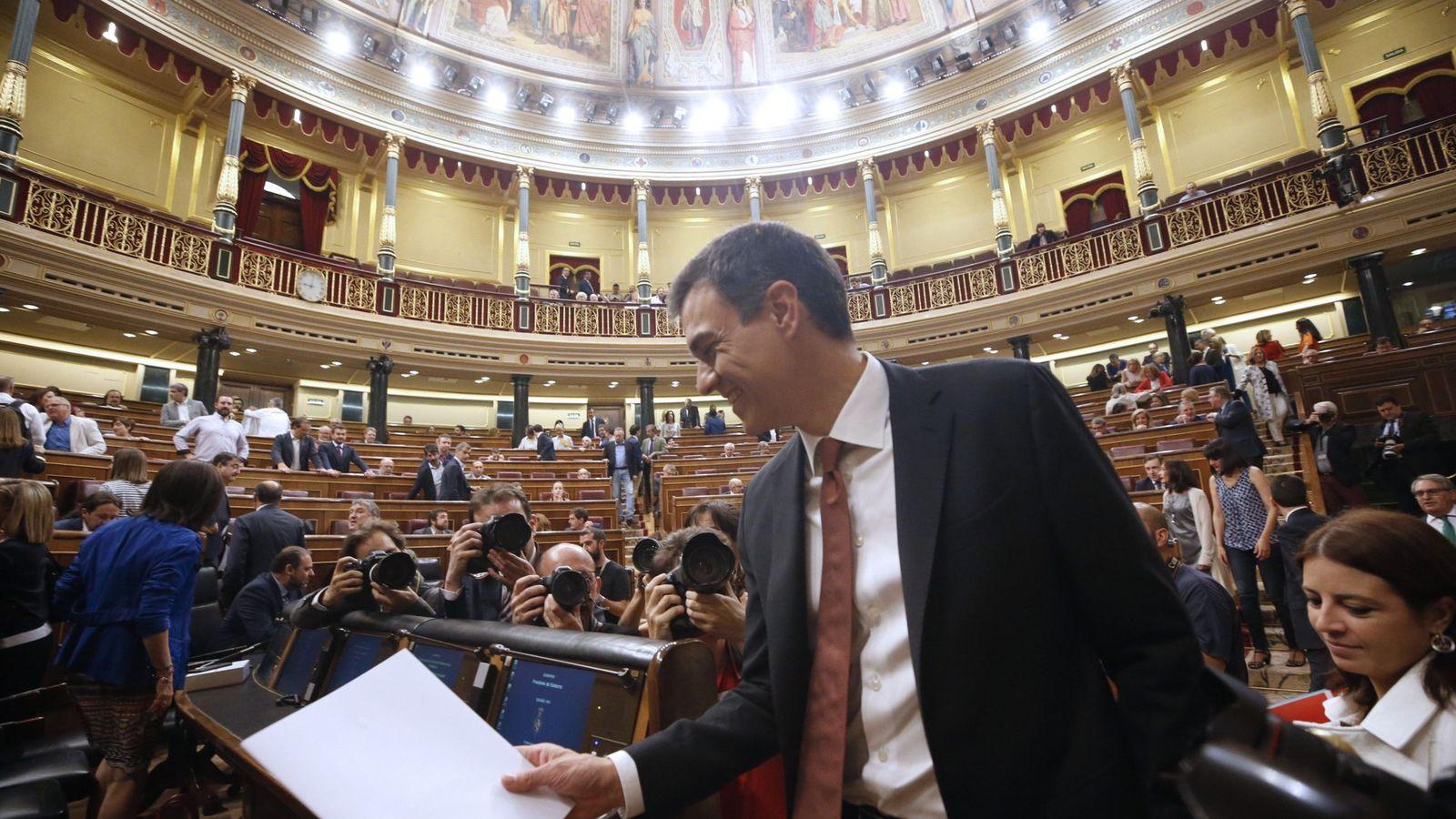 Foto: Pedro Sánchez, a su llegada este 20 de junio a su primera sesión de control en el Congreso. (EFE)