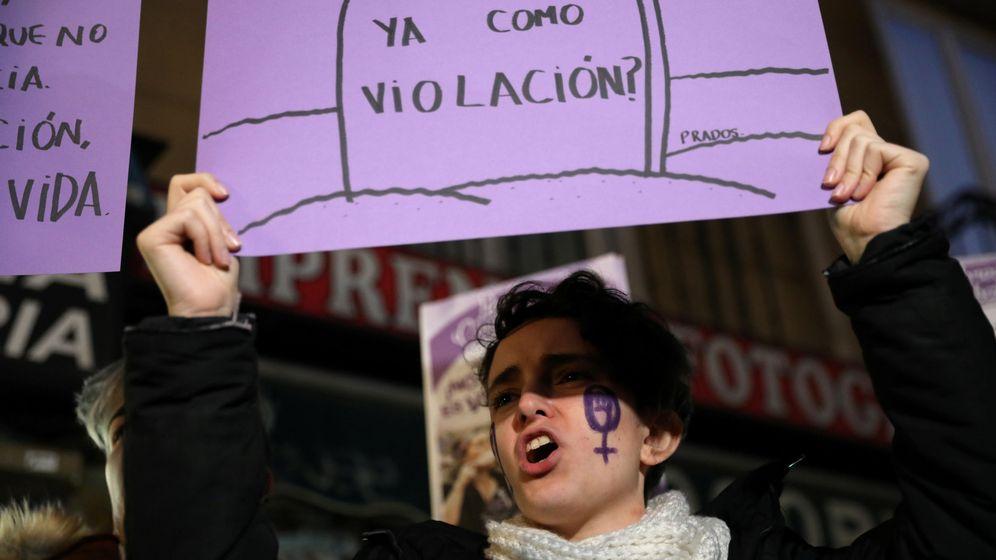 Foto: Manifestación contra la Manada en Pamplona. (Reuters)