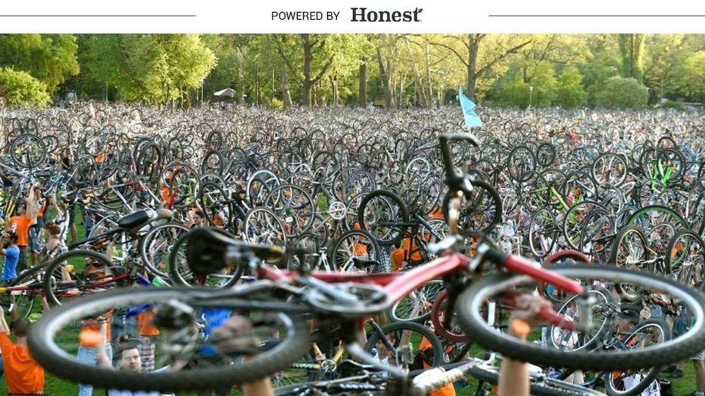 Foto:  La bicicleta se ha convertido en un elemento más del paisaje cotidiano de las grandes ciudades. (EFE)