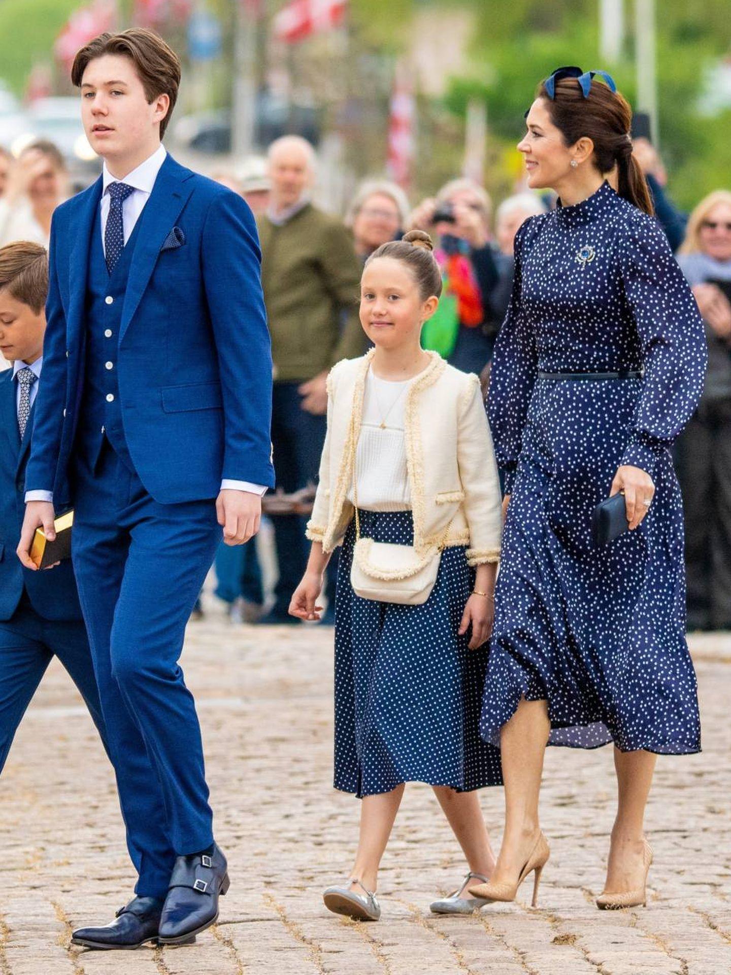 La princesa Josephine, con su madre y su hermano. (CP)