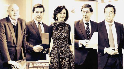 El golpe de los mercados fuerza a los banqueros españoles a estudiar fusiones