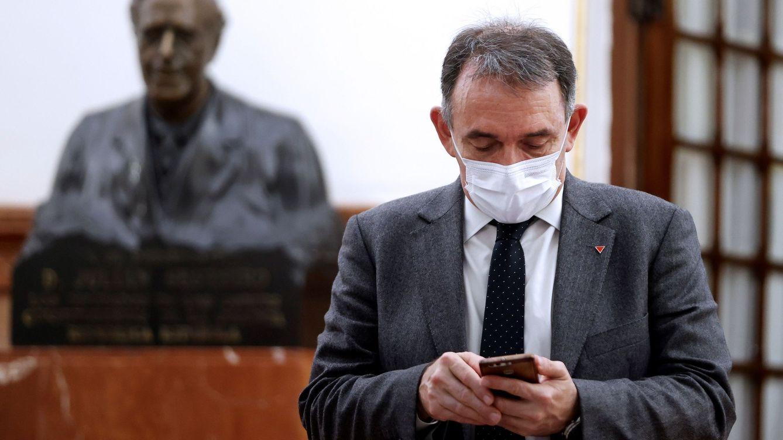 Abascal arremete contra el nombramiento de Santiago: Sueña con asesinar a los reyes