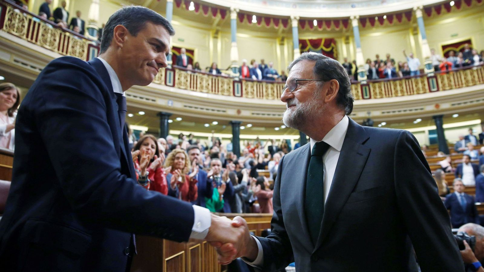 Untuk Pertama Kali Spanyol Lantik Perdana Menteri Tanpa Kitab Suci