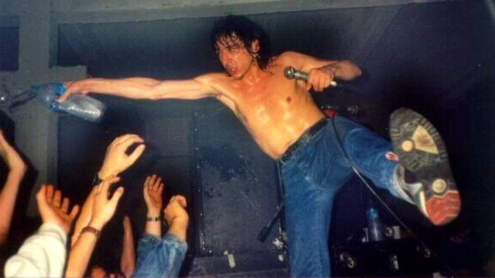 Foto: Evaristo, de la Poll Récords, en los inicios de la banda.