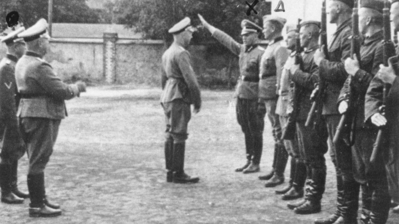 Himmler, en el campo de entrenamiento nazi de Trawniki. (Departamento de Justicia de EEUU)