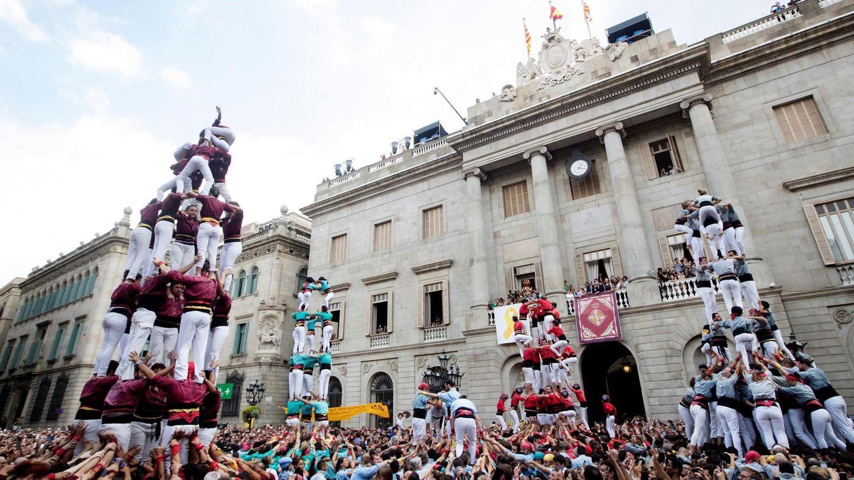Castellers en Barcelona por el día de la Mercè (EFE/Marta Pérez)
