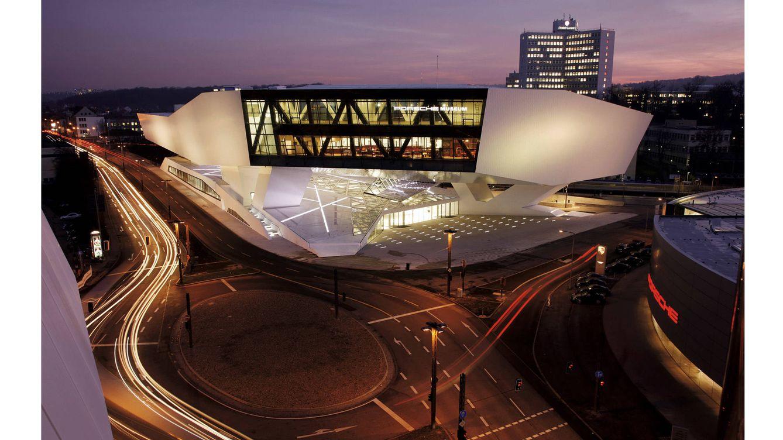 Foto: La sede del Porsche Museum es un edificio futurista, diseñado por el estudio Delugan Meissl, de Viena (Austria).