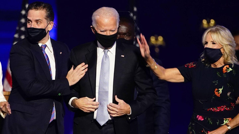 Joe Biden, junto a su mujer y su primogénito. (EFE)