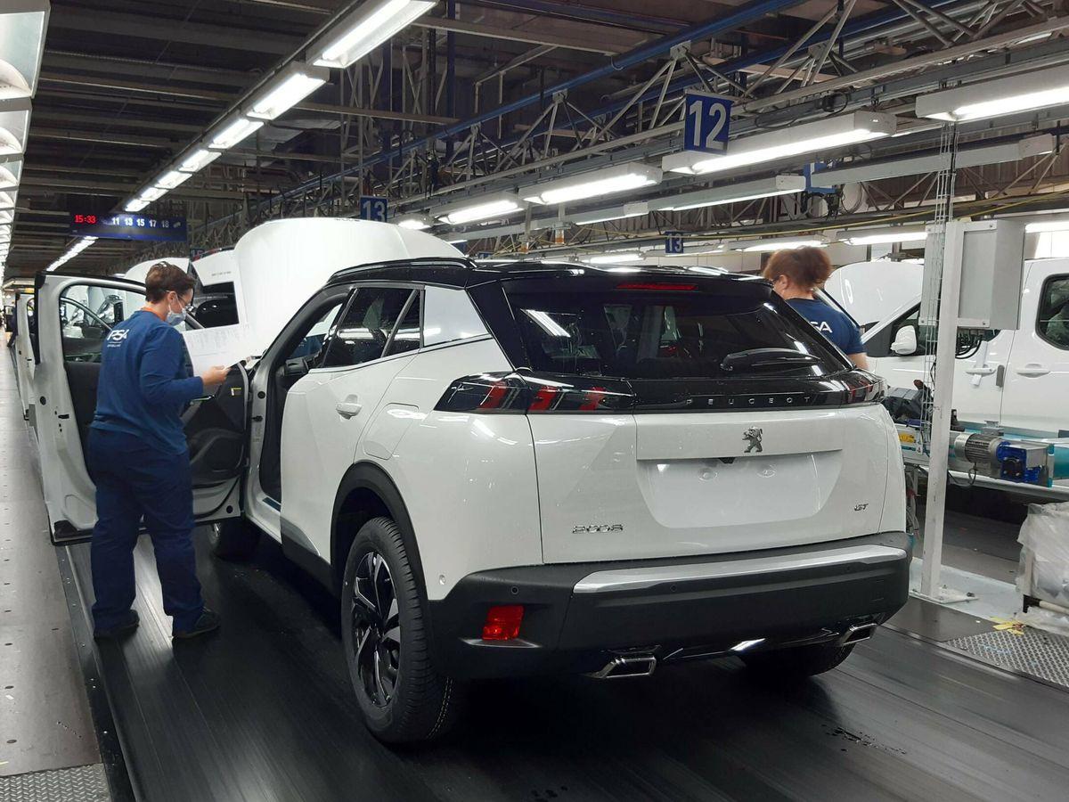 Foto: Mantener el habitáculo de los vehículos completamente estanco es uno de los muchos procesos por los que pasa cada automóvil.