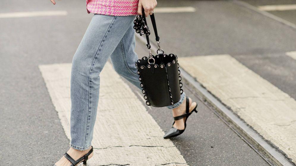 Foto: Pegados al suelo, así se llevan estos zapatos. (Imaxtree)