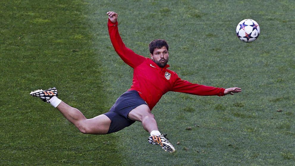 Diego anuncia su adiós al Atlético y asegura que se va feliz y orgulloso