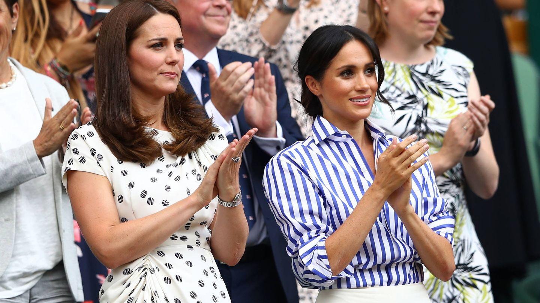 Kate Middleton y Meghan Markle, en el torneo de Wimbledon de 2018. (Getty)