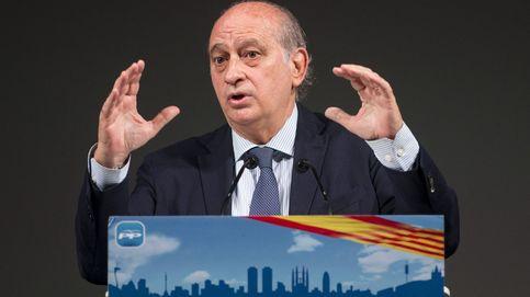 Todos los grupos de la Cámara reprueban a Fernández Díaz salvo el PP