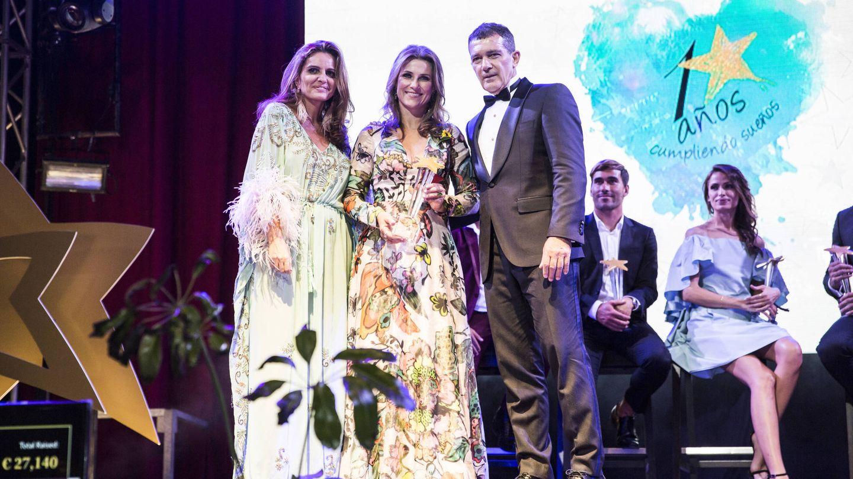 Sandra García-Sanjuán, Marta Luisa de Noruega y Antonio Banderas.(Starlite)
