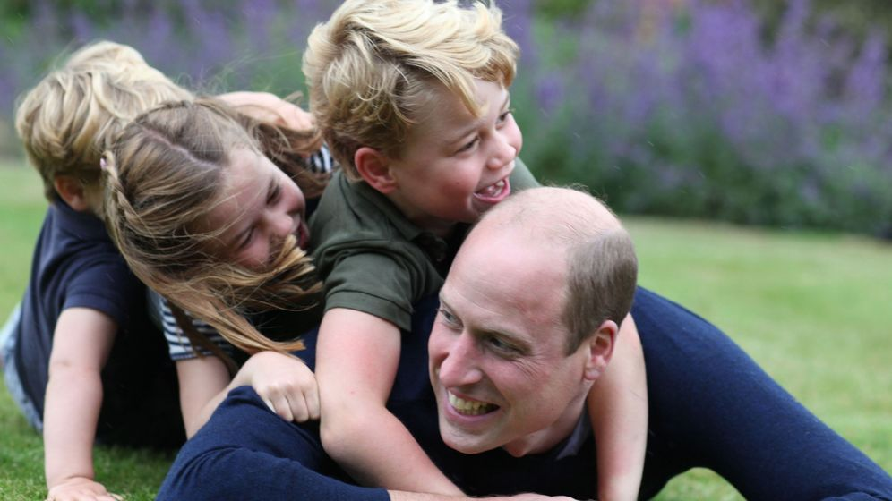 Foto: El duque de Cambridge y sus hijos. (Kensington Palace)