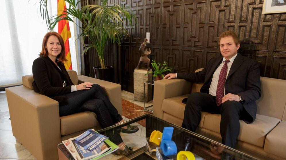 Foto: El cónsul Mohamed el Harrak, con la alcaldesa de Girona, Marta Madrenas, en febrero de 2017. (Ayuntamiento de Girona)