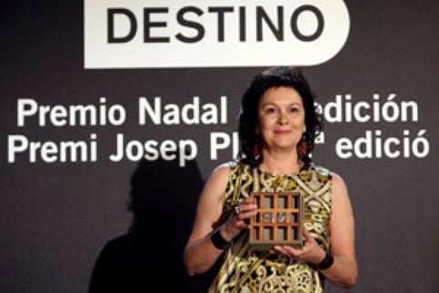 Clara Sánchez gana el Nadal con una novela sobre supervivientes nazis ocultos