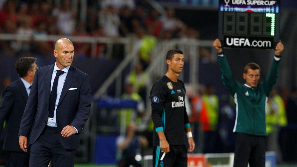 Foto: Cristiano Ronaldo sustituyó a Benzema en el minuto 83 de la Supercopa de Europa contra el Manchester United. (Reuters)