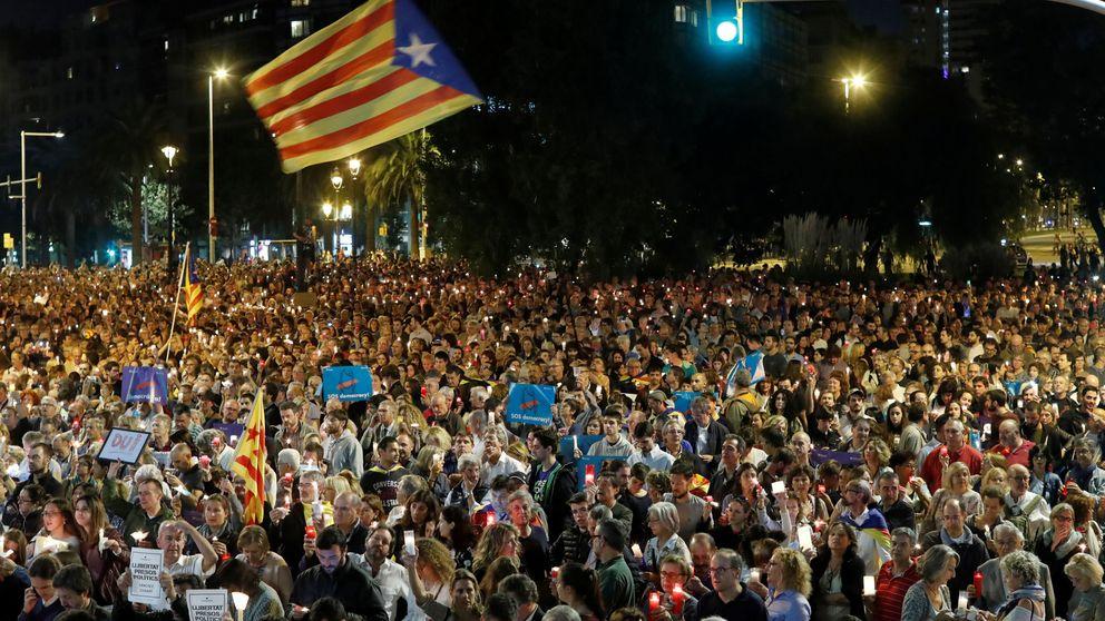 Multitudinaria manifestación en Barcelona por la encarcelación de 'los Jordis'