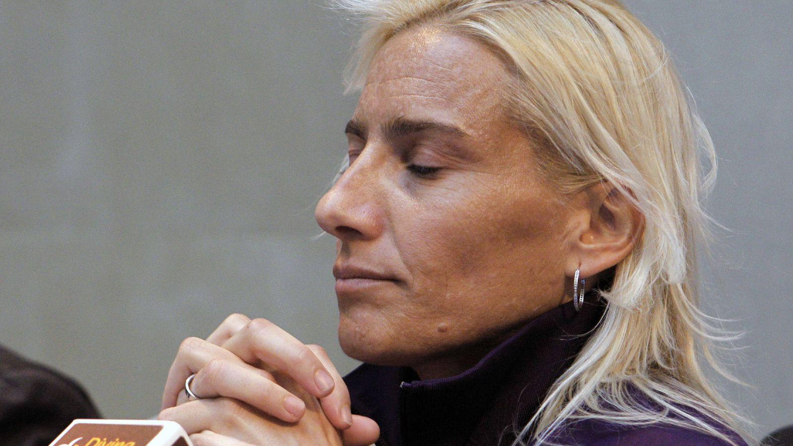 Foto: Marta Domínguez reaparece en rueda de prensa y piensa participar en Londres 2012. (EFE)