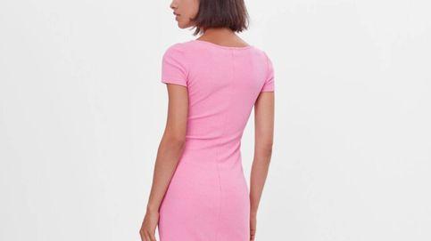 El vestido de Bershka para las fanáticas del color rosa (y también para el resto)