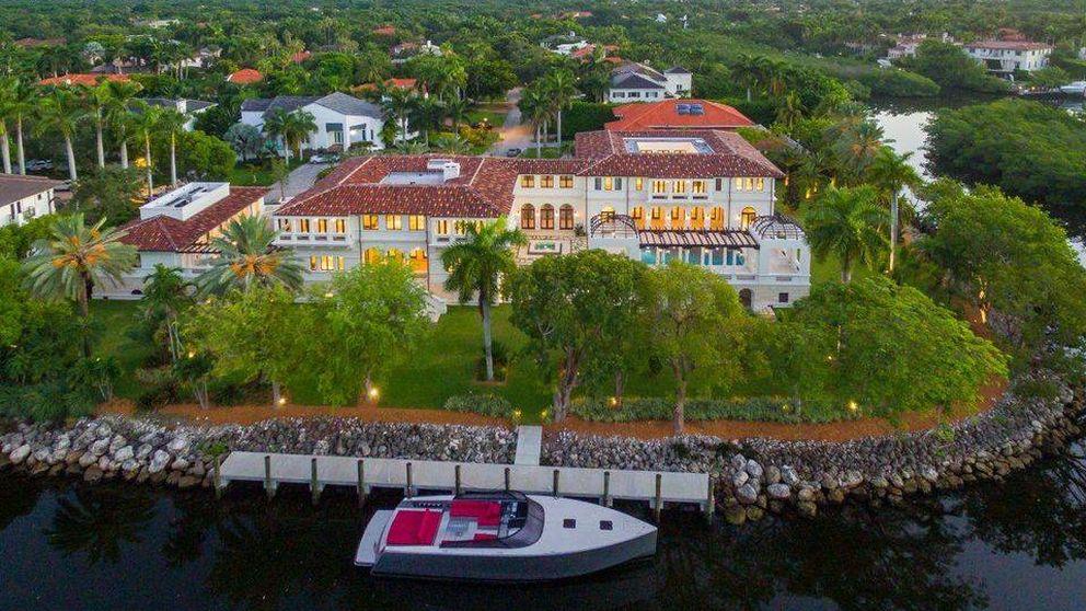 La heredera de Bacardí vende su casoplón de Florida por 19 millones