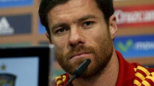 Xabi Alonso no mira más ofertas que la de regresar a jugar a San Sebastián
