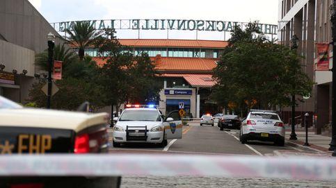 Así captaron las cámaras el tiroteo de Jacksonville: al menos 12 disparos y gritos de los asistentes