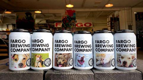 Una fábrica de cervezas pone a perros en adopción como imagen de sus latas