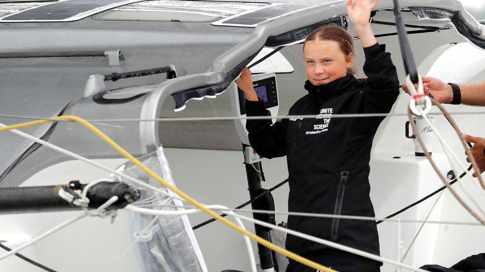 Foto: Greta Thunberg en el barco que le ha llevado a Nueva York en protesta contra la alerta climática. (Reuters)