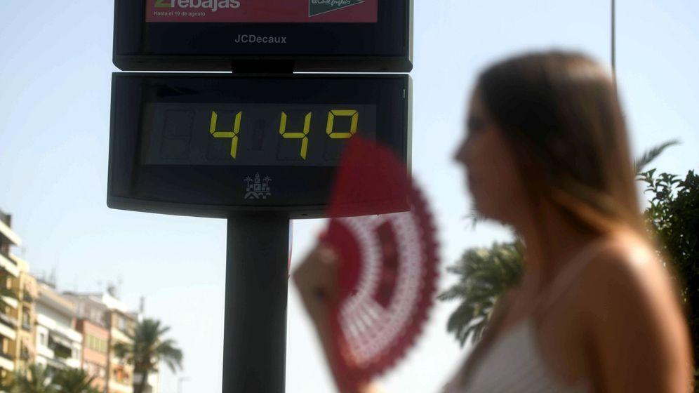 Foto: Imagen de archivo de un termómetro que marca 44ºC. (EFE)