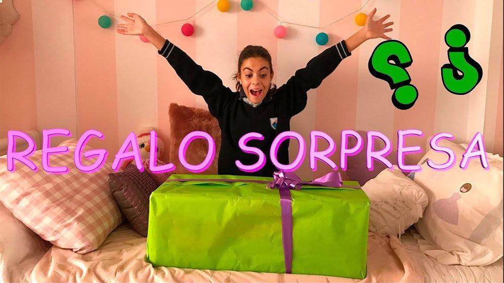 Foto: Martina en uno de los vídeos de su canal 'La diversión de Martina'.