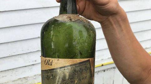 Descubren botellas de whisky escondidas en las paredes durante la Ley Seca