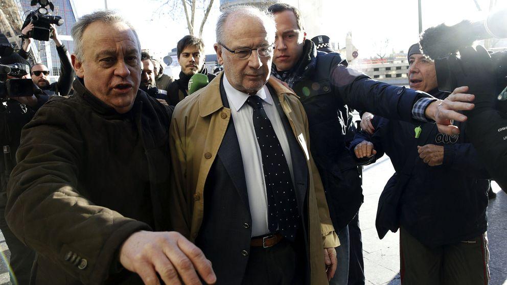 Agreden a Rodrigo Rato a su entrada a los juzgados para declarar