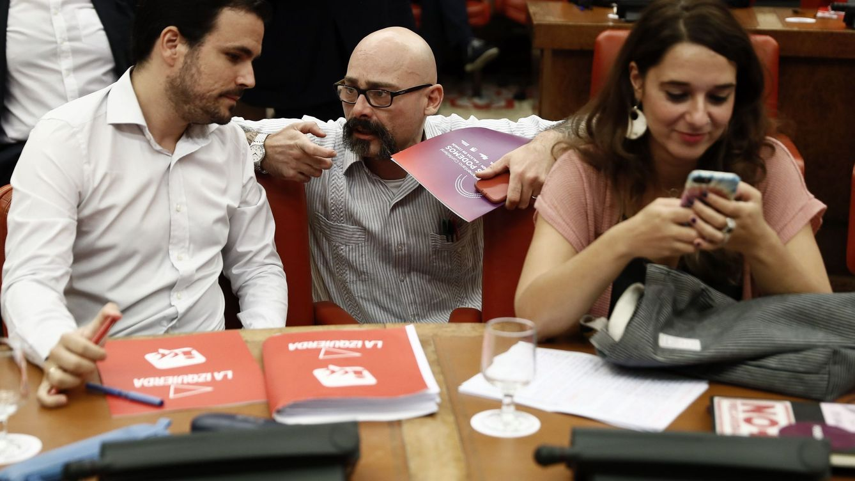 El gobierno subirá el IVA al tabaco y las apuestas y bajará el de la higiene femenina