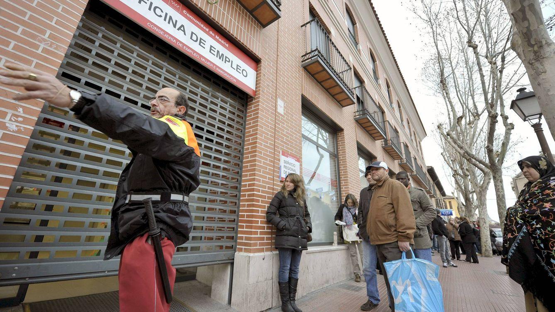 Foto: La renta básica es entendida como un derecho de la ciudadanía. Sin embargo, ¿es posible financiarla? (Efe)