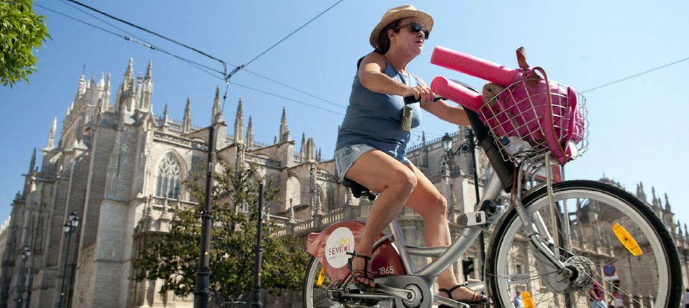 La crisis no nos hace más ecológicos: pasamos de la bici y cogemos el coche
