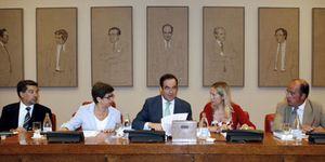 El Gobierno logra evitar las comparecencias de Moratinos y Rubalcaba sobre Melilla