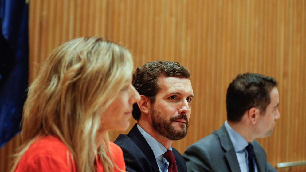 Foto: Pablo Casado presidente la reunión del grupo parlamentario del PP en el Congreso. (EFE)